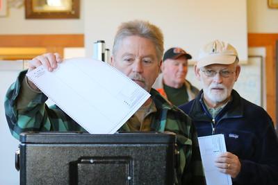 IMG_4612 Dan Fretz casts his ballot in pomfret
