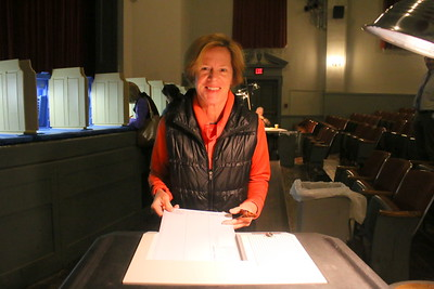 IMG_4800 mary mayhew casts her vote in woodstock