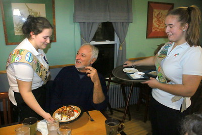 IMG_5102 stephanie hendrick and teresa ennis serve Al Alessi at center