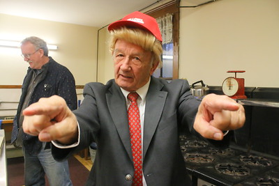 IMG_3198 Bob Allen at Trump   he said he was going to make reading great again by building a wall and making NH pay for it