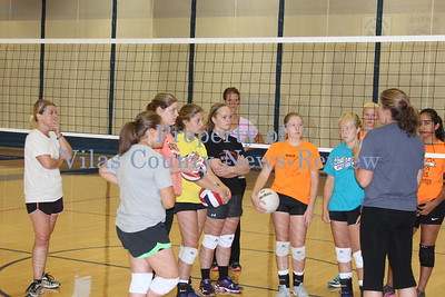 Northland Pines Returning Volleyball Players