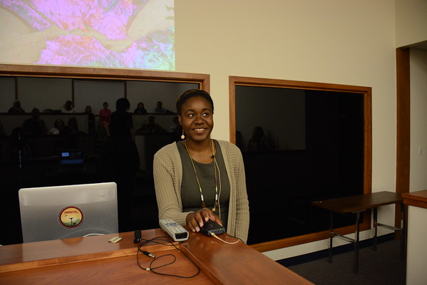 2016 RESESS intern Ayanna Reed presents her summer research during a colloquium held at UNAVCO on July 27, 2016. (Photo/Beth Bartel, UNAVCO)
