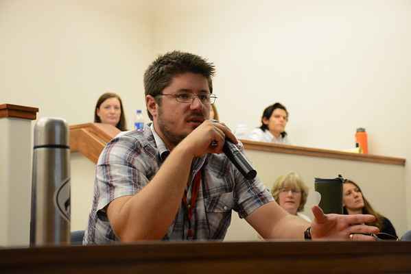 2014 RESESS intern Wesley Weisberg asks a question during the 2016 RESESS intern colloquium presentations held at UNAVCO on July 27, 2016. (Photo/Beth Bartel, UNAVCO)