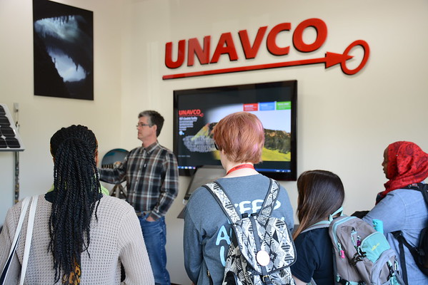 2016 RESESS, SOARS and NEON interns participate in tours of local geoscience facilities and labs. (Photo/Aisha Morris, UNAVCO)