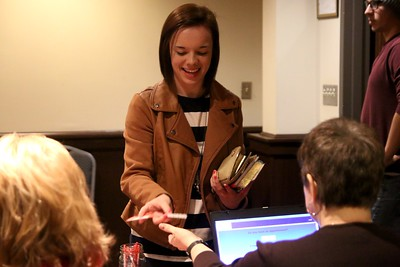 Ashley Cable, GWU sophomore, registering to donate blood.