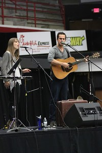 Jenny & Tyler Somers perform at Dimensions on March 29, 2016.