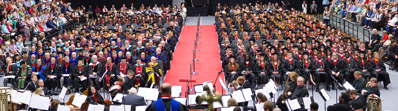 20160509_commencement_MH01