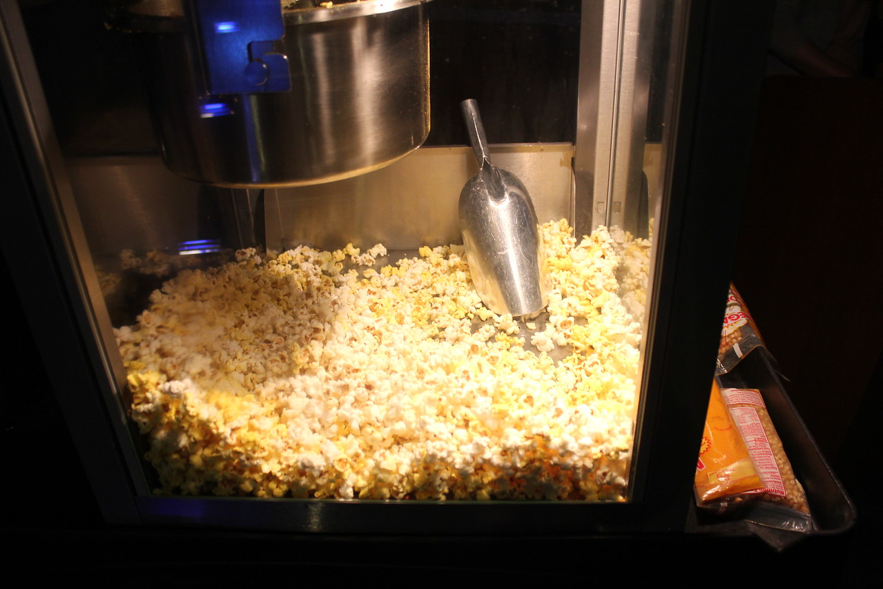 Popcorn! Students and Faculty Gather to watch an Argentinian movie
