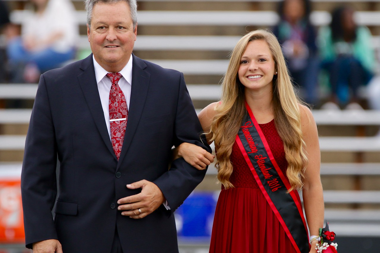 Elise Moffatt, was one of the four nominees for 2016 Homecoming Queen.
