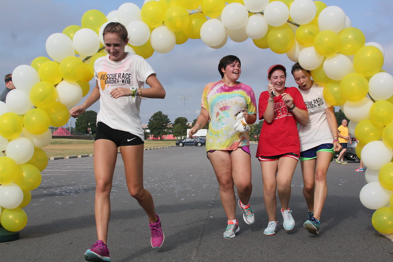 Friends that run together, finish together