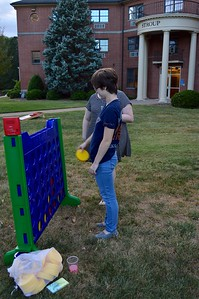 Connect Four on the Quad. September 22, 2016 gwu photo by: Hannah Anders