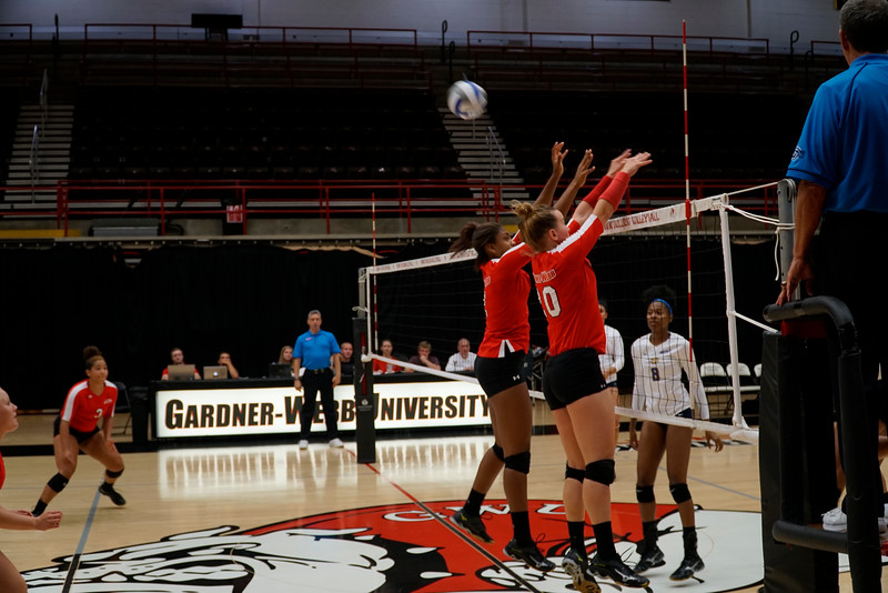 Nicole Celarek (20) and Kaelyn Dyson (2) double block