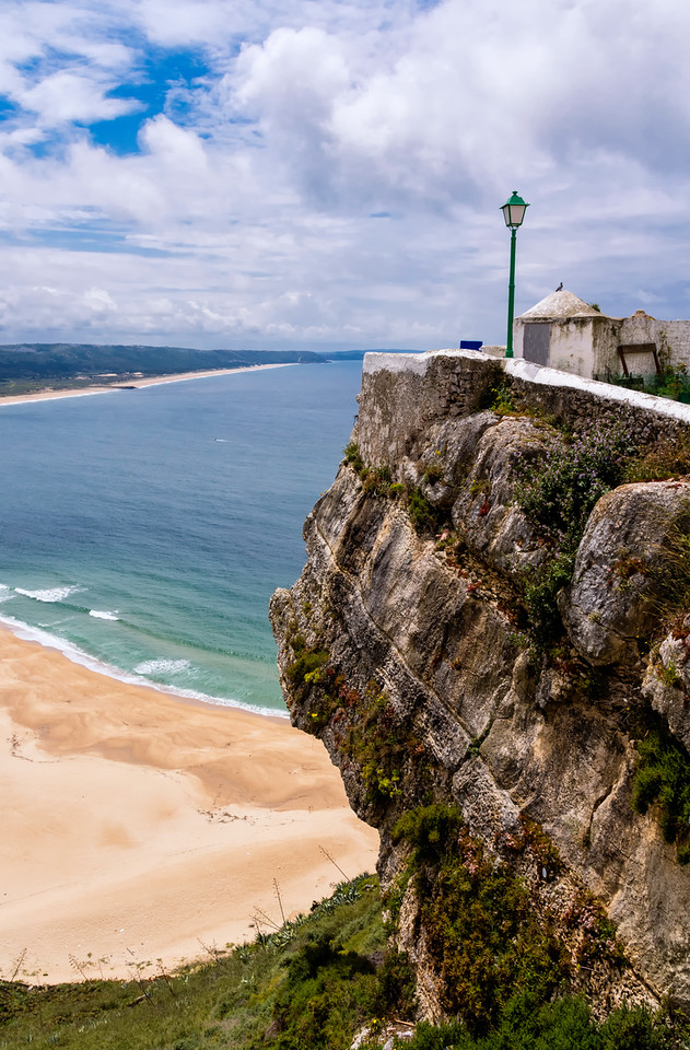 Promontory of Sitio,  showing Nazare below