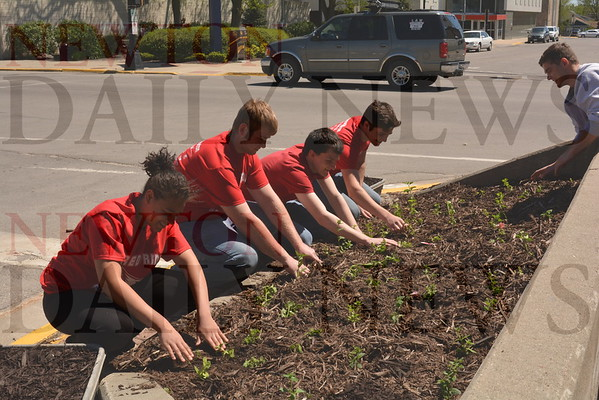 2016 Red Pride Service Day