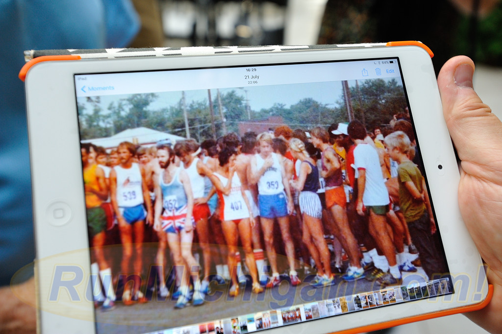England's Steve Kenyon (center left), Bill Rodgers and others before the start of the first ever Crim 10 Mile Race in 1977. (Photo: RunMichigan.com, courtesy Steve Kenyon)