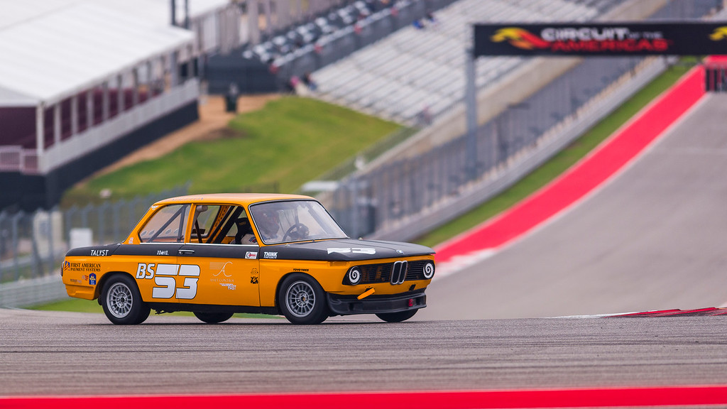 Group8-1976-bmw-2002-53