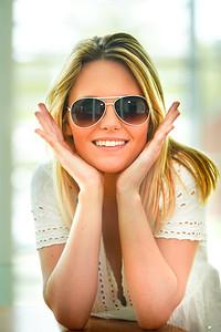 Model Headshot - Olivia 2016