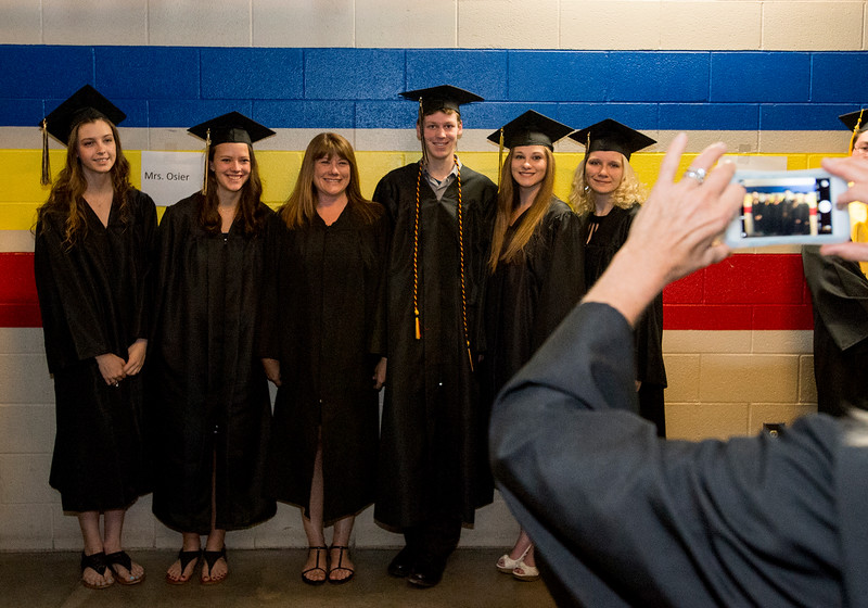 0528 NWS 2016TVHSGraduation_2-mb