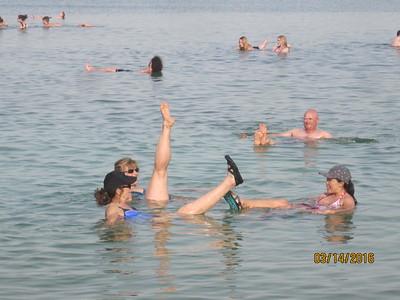 dead sea floaters7