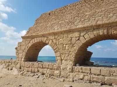 25-roman-aqueduct