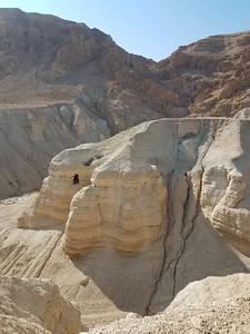 27-qumran-caves