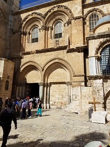 32-church-of-the-holy-sepulcher
