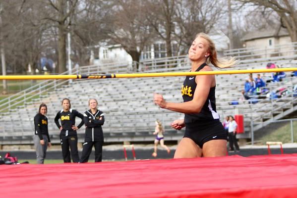 Iowa City Sherwood Girls Track Invitational- Non-CR Schools-3/22/16