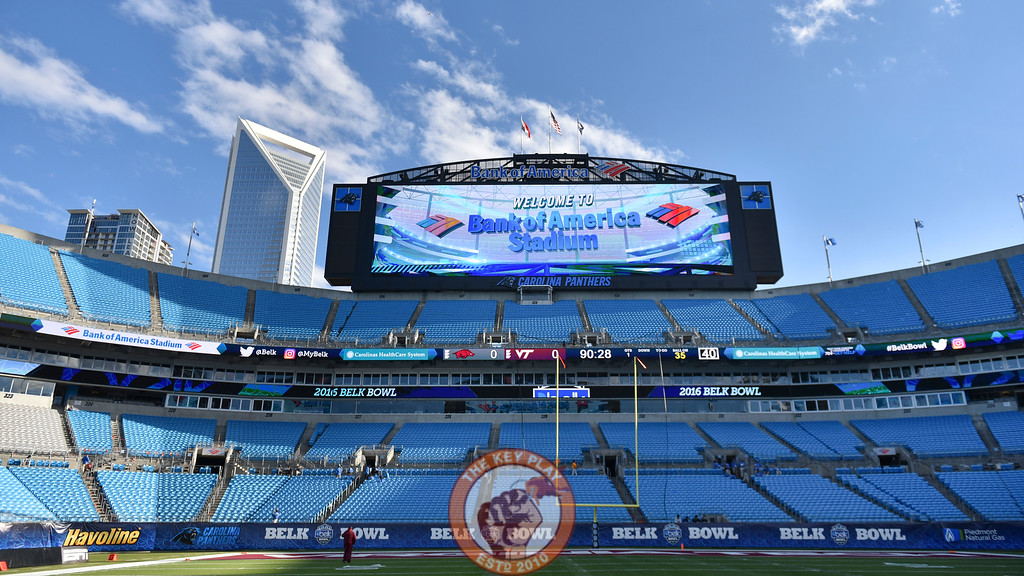An interior view of Bank of America Stadium in Charlotte, N.C. prior to the 2016 Belk Bowl. (Michael Shroyer/ TheKeyPlay.com)