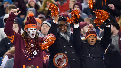 Virginia Tech Hokies fans cheer during the first half. (Michael Shroyer/ TheKeyPlay.com)