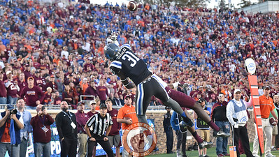 Duke cornerback Breon Borders breaks up this pass intended for Virginia Tech wide receiver Isaiah Ford (1). (Michael Shroyer/TheKeyPlay.com)