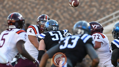 Virginia Tech quarterback Jerod Evans (4) leads wide receiver Cam Phillips (5) with the throw. (Michael Shroyer/TheKeyPlay.com)