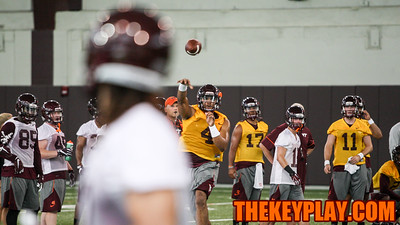 QB Jerod Evans fires off a pass during offensive drills. (Mark Umansky/TheKeyPlay.com)