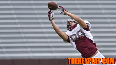 Wide receiver Devin Wilson (89) makes a fingertip catch during practice. (Michael Shroyer/ TheKeyPlay.com)