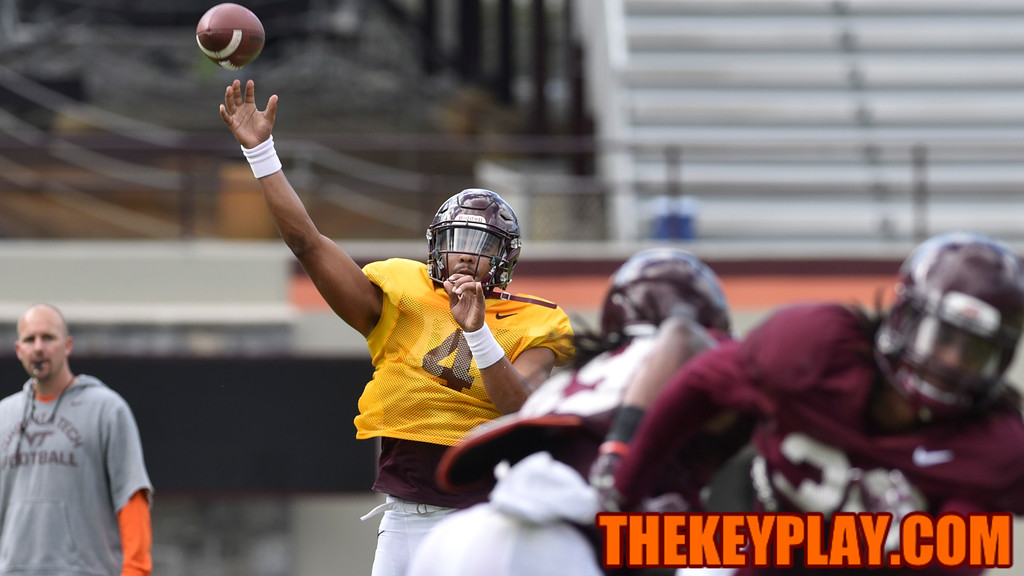 Quarterback Jerod Evans (4) throws during practice. (Michael Shroyer/ TheKeyPlay.com)