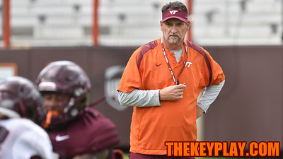 Defensive coordinator Bud Foster closely watches his unit during a defensive drill. (Michael Shroyer/ TheKeyPlay.com)