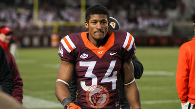 Virginia Tech RB Travon McMIllian walks to the locker rooms after sustaining an injury in the 4th quarter. (Mark Umansky/TheKeyPlay.com)