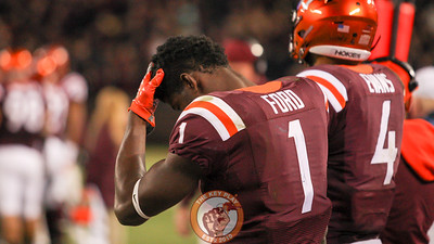 Virginia Tech WR Isaiah Ford rubs his head on the sidelines late in the game. (Mark Umansky/TheKeyPlay.com)