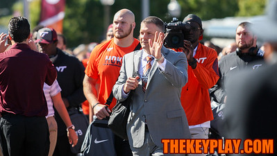 Head coach Justin Fuente waves to the crowd during the first Hokie Walk of his career. (Mark Umansky/TheKeyPlay.com)