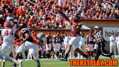 QB Brenden Motley enters the game in the 4th quarter for mop up duty. (Mark Umansky/TheKeyPlay.com)