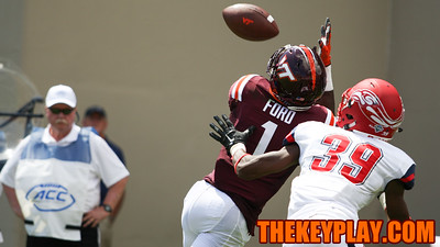 WR Isaiah Ford reaches up for his first touchdown catch of the season. (Mark Umansky/TheKeyPlay.com)