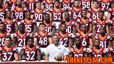 Head coach Justin Fuente sits front and center in the official team photo. (Michael Shroyer/ TheKeyPlay.com)