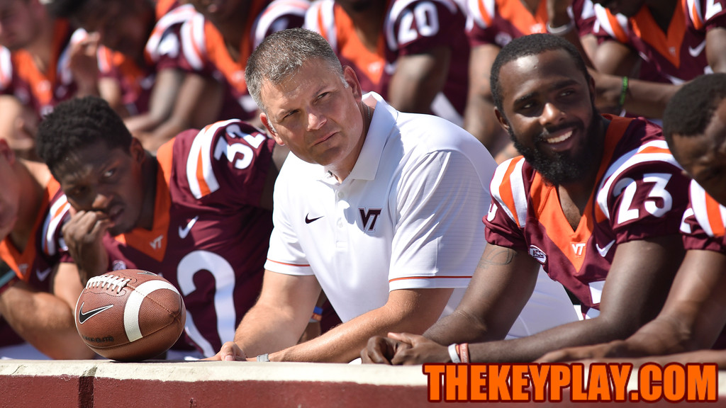 Head coach Justin Fuente awaits for the final players to arrive for the team photo. (Michael Shroyer/ TheKeyPlay.com)