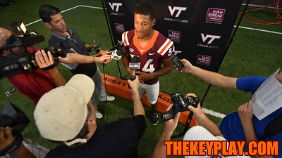 Running back Travon McMillian speaks to individual members of the media. (Michael Shroyer/ TheKeyPlay.com)