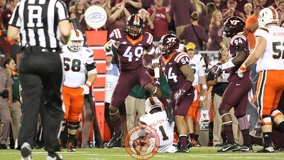 LB Tremaine Edmunds (49) celebrates after making a tackle for loss in the first quarter. (Mark Umansky/TheKeyPlay.com)