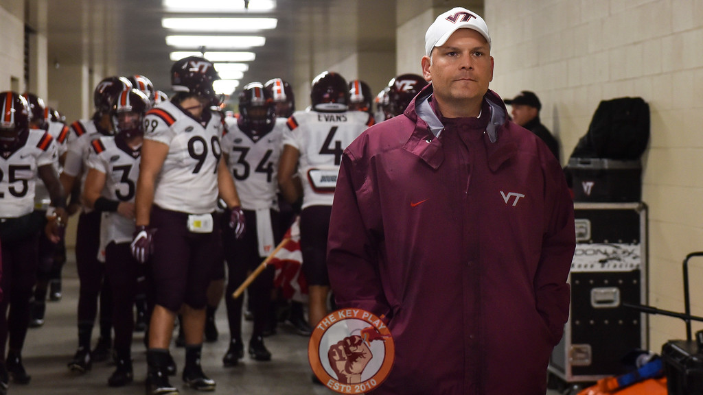 Virginia Tech Hokies head coach Justin Fuente leads his team from the locker room. (Michael Shroyer/ TheKeyPlay.com)