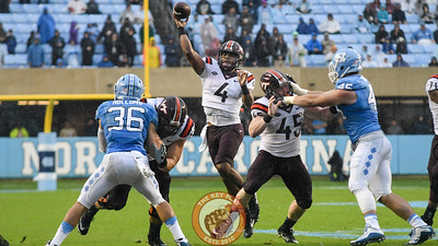 Virginia Tech quarterback Jerod Evans (4) throws to the end zone. (Michael Shroyer/ TheKeyPlay.com)