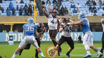 Virginia Tech quarterback Jerod Evans (4) throws to the end zone. (Michael Shroyer/ TheKeyPlay.com)