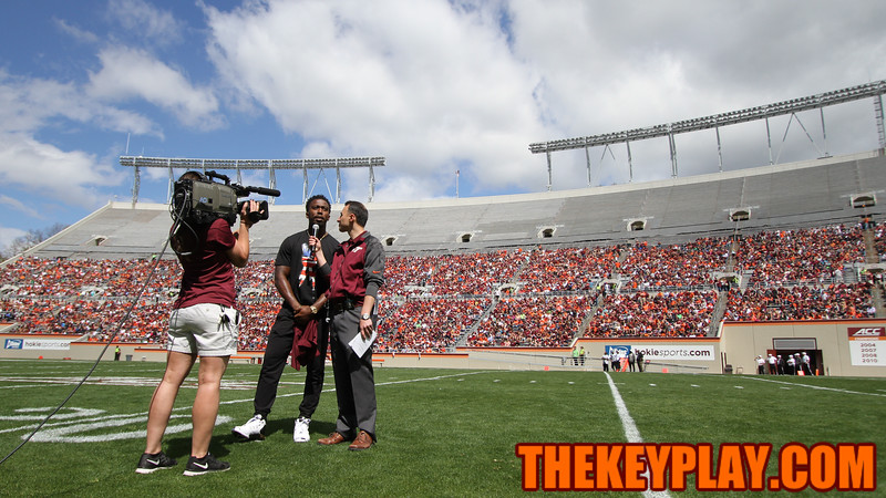 Former VT QB Tyrod Taylor is interviewed at halftime. (Mark Umansky/TheKeyPlay.com)