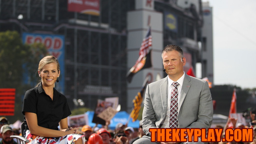 ESPN's Samantha Ponder and Virginia Tech head coach Justin Fuente sit on the set of ESPN's College Gameday. (Mark Umansky/TheKeyPlay.com)