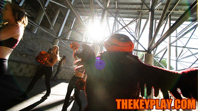 The Hokiebird enters the stadium at the end of the walk. (Mark Umansky/TheKeyPlay.com)